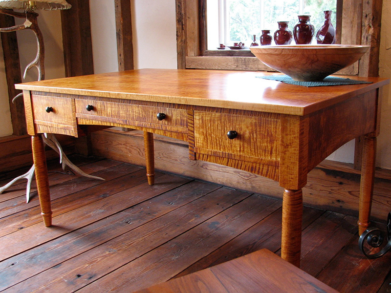 Maple Wood Furniture ~ Desks homestead heritage furniture